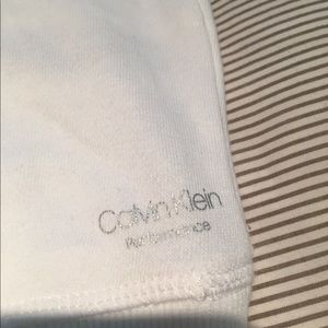 Calvin Klein Tops - NWT Calvin Klein performance sweatshirt. Size XL